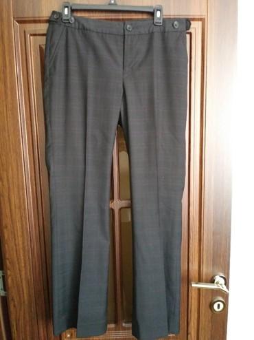 женские-брюки-новые в Азербайджан: Xaricden alnib baha alnib ucuz satiram M razmerdi isteyen whtsapp
