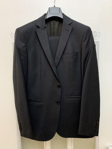 """Продаю Итальянский костюм """"Bagozza""""!  Размер «48», рост «6»! Цвет темн"""