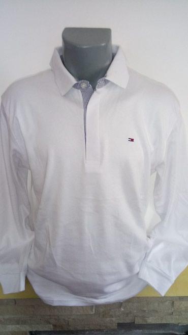 Tommy Hilfiger jednobojna pamucna bluzica sa kragnicom. Dostupne