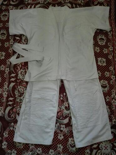 хир форма в Кыргызстан: Кимоно в хорошем состоянии на 12-14 лет. Покупали дорого, под кимоно