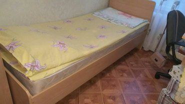 Продаю кровать 2шт и компьютерный стол в Бишкек