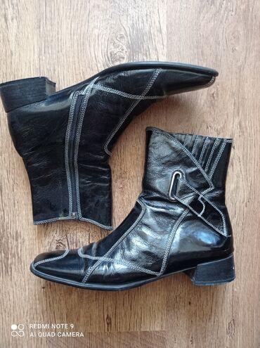 Ботинки женские, лаковая кожа, Италия, размер 40, не утеплённые, отдам