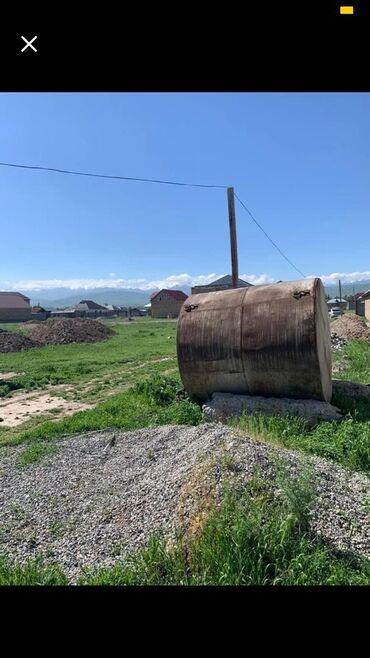 Цистерну 5 куб - Кыргызстан: Бочка 5,6 Куба, длина 2 м, ширина 1,9 м