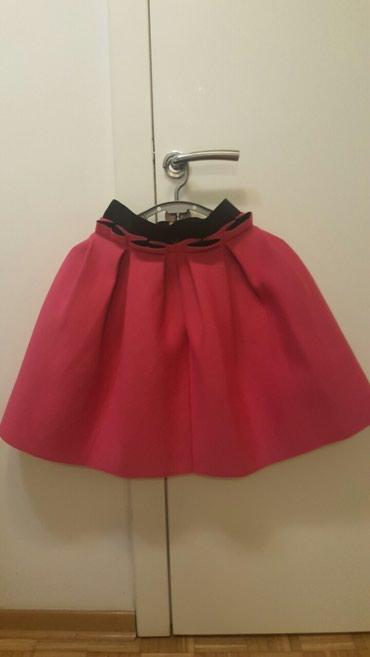 Suknja struka od - Srbija: Suknja od skube. Duzina 52cm, obim struka 32cm tegli se 38cm. Velicina