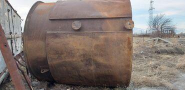 Цистерну 5 куб - Кыргызстан: Продаю бочку цистерну 40000 сом. с рубашкой без крышки высото 2.5 м ши