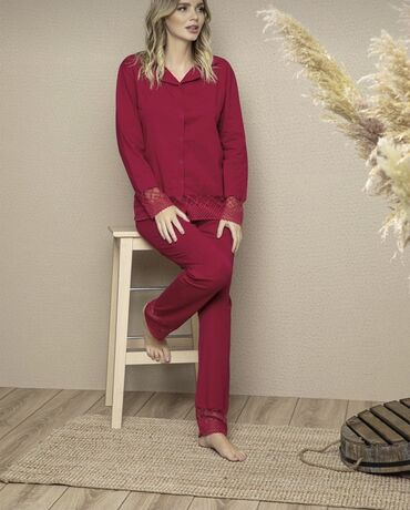 Оочень красивые пижамыв двух расцветках Размер S,M,L Производство Ту