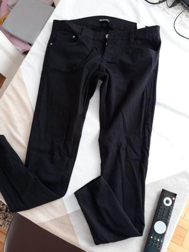 Terranova nove crne pantalone vel L ali moze i za m jer je malo - Nis