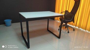 столы на переднем плане в Кыргызстан: Продаю столы для офиса и конференц залов. В наличии и на заказ. Все