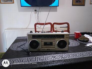 Radio(kaseta ne radi) lepo hvata stanice
