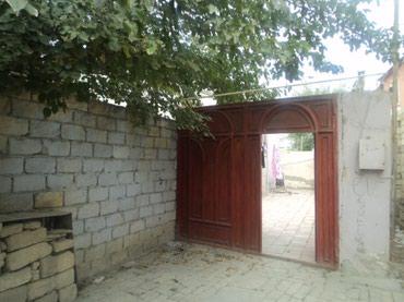 Bakı şəhərində Ev Bineqedi qesebesindedi 4 otaqli ferdi yasayis evi satilir 100kv
