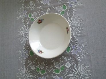 Bakı şəhərində Блюдца 6 шт новые (глубокие) Подойдут также для сервировки стола .