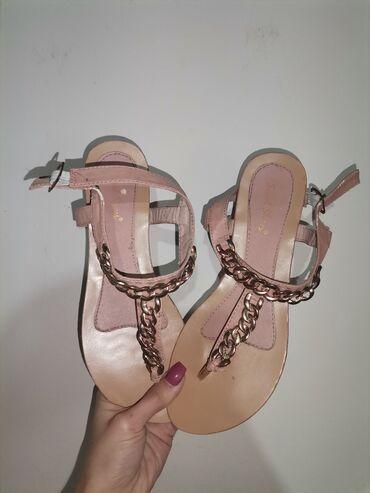 Sandale bez ikakvih ostecenja Broj 40