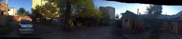 Продаю 2 х комнатная квартира барачного типа в центре города в Бишкек