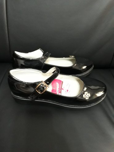 Туфли для девочек в школу. Пекин. размеры 33, 34, 35. в Бишкек