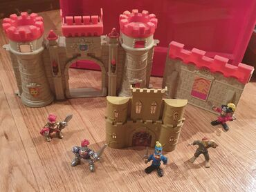 Gusari - pirati i zamak, ekipa za igru. Igracke za decake. Zamak se