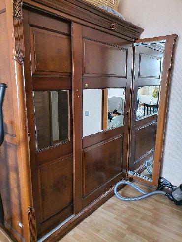 шкаф в гостинную в Азербайджан: Итальянский шкаф из дорого комплекта. В идеальном состоянии. Gence