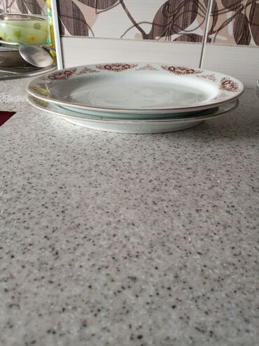 Столовая посудав хорошем состояниифарфорвые
