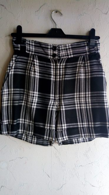 Kratke pantalone..pamuk,novo..oko struka 70 cm..duzina..41cm.. - Kraljevo