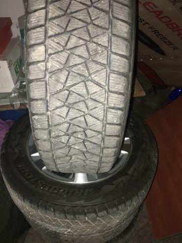 225 50 17 зимние шины в Кыргызстан: Резина фирмы BRIDGESTONE 225/65/17(Зима-липучка)Проездили всего 2