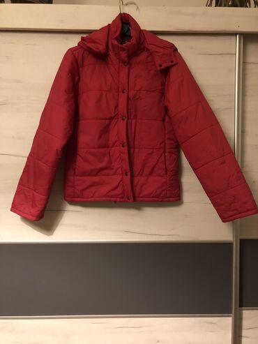 Nova crvena jakna, M