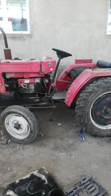 т 25 купить в Кыргызстан: Китайский трактор продаётся обьем 25 колеса раздвижные в отличном