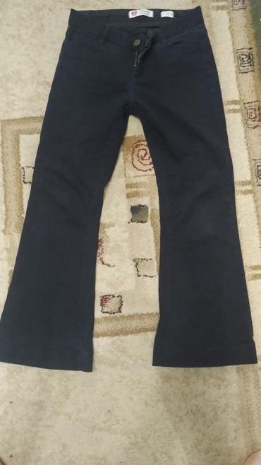 razmer 140 в Кыргызстан: Школьные Джинсы на девочку, черные как брюки можно в школуНа рост