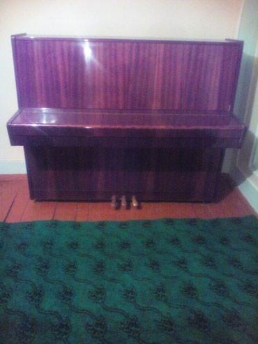 Mingəçevir şəhərində Belarus.3pedalli piano sekiller zeyif tel.cekilib tezedi.tecili