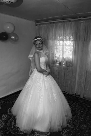 шикарно свадебное платье в Кыргызстан: Продам свое счастливое свадебное платье. Одевала один раз. В прокате