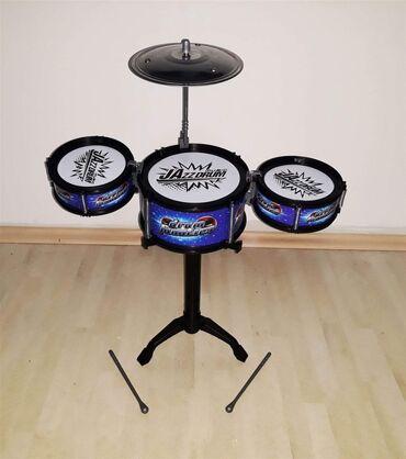 Bubnjevi - Srbija: Bubnjevi set za decuU setu dobijate 3 bubnja plus jedna činela i 2