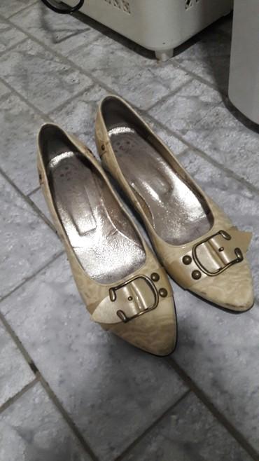 Ženska obuća | Novi Becej: Stefano cipelice, broj 38, imaju malu podpeticu