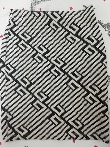 Pencil suknja, S veličina, ima puno elastina, odgovara broju 38. Bez - Belgrade
