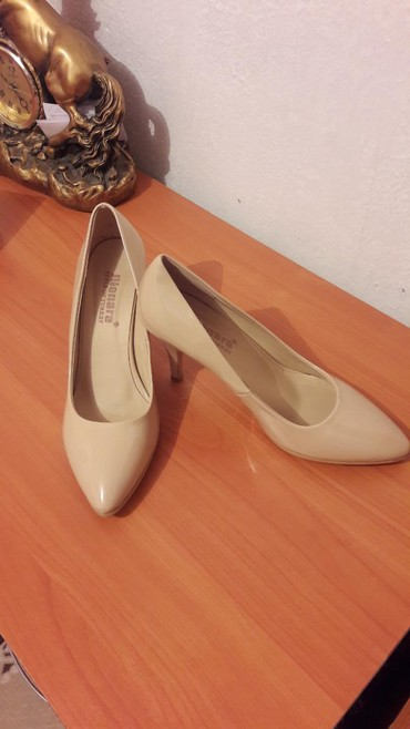 туфли один раз одевали в Кыргызстан: Женские туфли 39