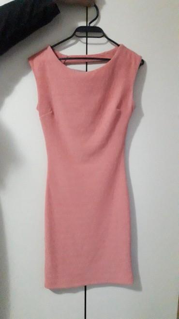 Haljine   Lebane: Roze haljina mekanog materijala, kao nova