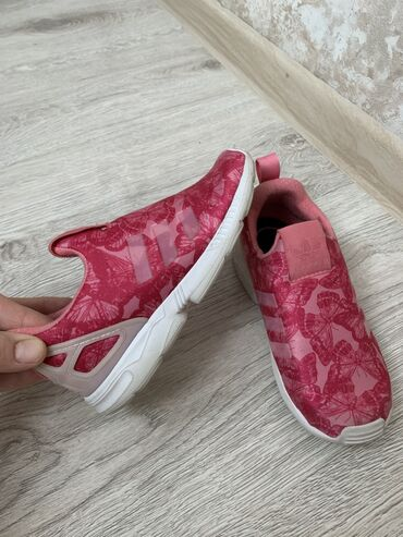adidas ace в Кыргызстан: Adidas оригинал 27 размер. Вьетнам
