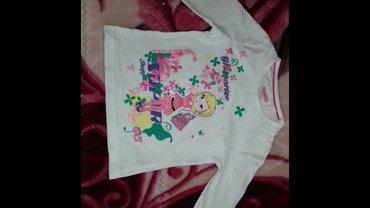 Продаю кофточку на девочку. размер 98-104 в Бишкек
