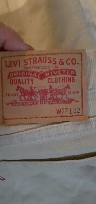 Polovne pantalone ocuvane neke su sa etiketom po 200 din komad ili 900