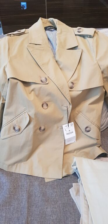армейский куртка в Кыргызстан: Купили куртку демисезонную Zara в Стамбуле. Размер L. Короткий вариан
