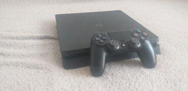 Konzole - Srbija: Sony playstation 4/PS4 + Pes 2020Na prodaju Sony playstation 4Potpuno