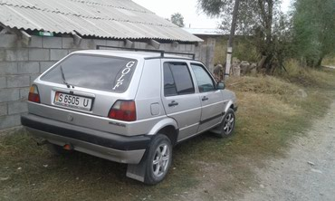 Volkswagen Golf 1990 в Бишкек