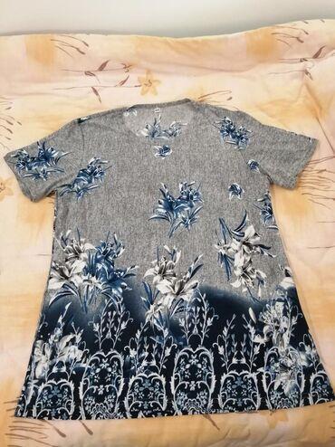 Nova majica-tunika, piše velicina XXL ali vise odgovara za L/XL