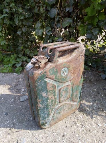 Sumqayıt şəhərində 20 litirlik kanisdir uc qulaq