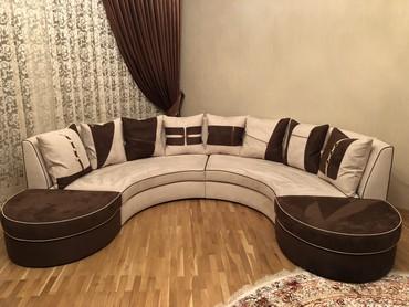 Угловой овальный диван.Производство Италии,набук,б/у