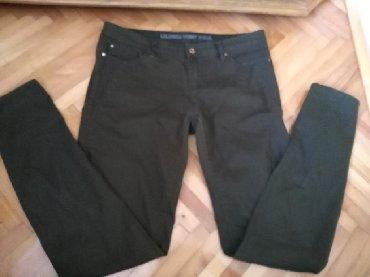 Ženska odeća   Prijepolje: Pantalone/farmerke. Savrsene. Boja je maslinasta al su slabe za