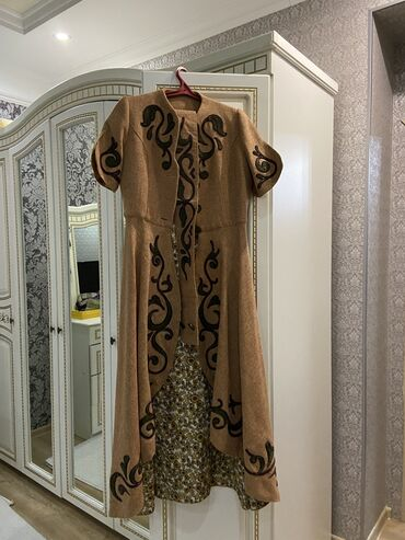 узбекские платья со штанами в Кыргызстан: Дизайнерский Чапан от Аиды Арт Можно одевать с любыми платьями и со шт