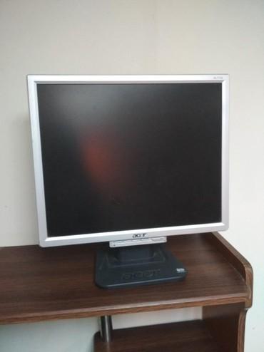 компьютер купить в Кыргызстан: Продам компьютер = 5000 сом  вместе с компьютерным столом= 3500  . в
