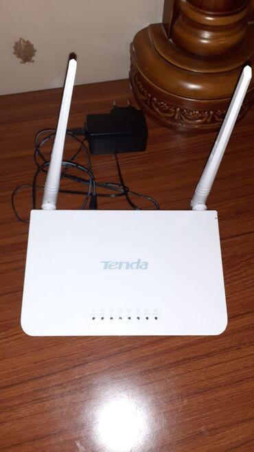 Tenda Roter 2 antenalı, wifi var əla vəziyyətdədir təzədir istifadə