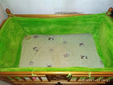 Детский мир - Маевка: Продаю кроватку 550сом, бортики 350сом