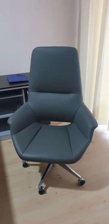 мягкая мебель - Azərbaycan: Ofis mebeli tecili satilir, 1 aydi alinib, pondemiya ile ealqedar