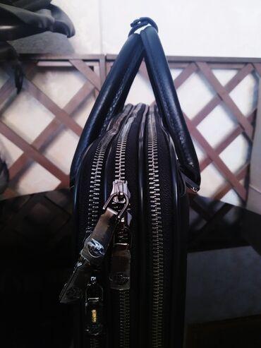 СРОЧНО!!!Продаю совершенно новуюмужскую кожаную сумку от компании H.T