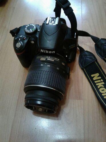 ретро фотоаппарат зенит в Кыргызстан: Срочно Продаю зеркальный Nikon d3200  + запасной объектив   + вспышка